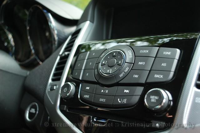 Chevy Cruze LTZ Radio Controls